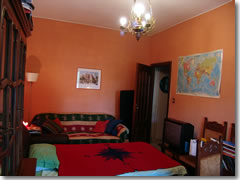 My FREE room for the night in the apartment of a friendly Italian radio producer in Rome, courtesy of Couchsurfing.com