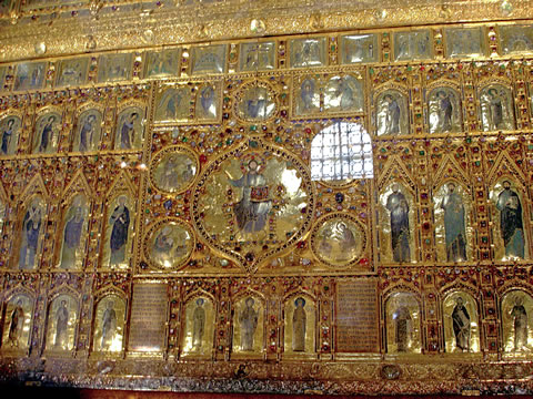The Pala d'Oro altar in the Basilica di San Marco, Venezia.
